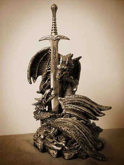 dragon_and_sword